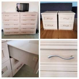 Quality easy open bedroom furniture set (chest of drawers/bedside cabinet)