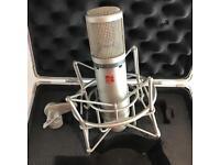 SE Electronics condenser mic