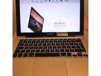 "Macbook Pro 13"" Core i5 2.5Ghz, 4GM Ram, 320GB Hard Drive, El Capitan"