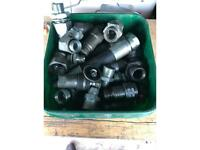 Hydraulic quick release fittings