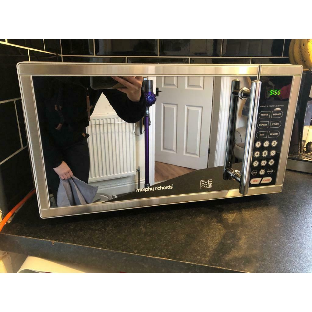 Morphy Richards Microwave 900w In Hull East Yorkshire