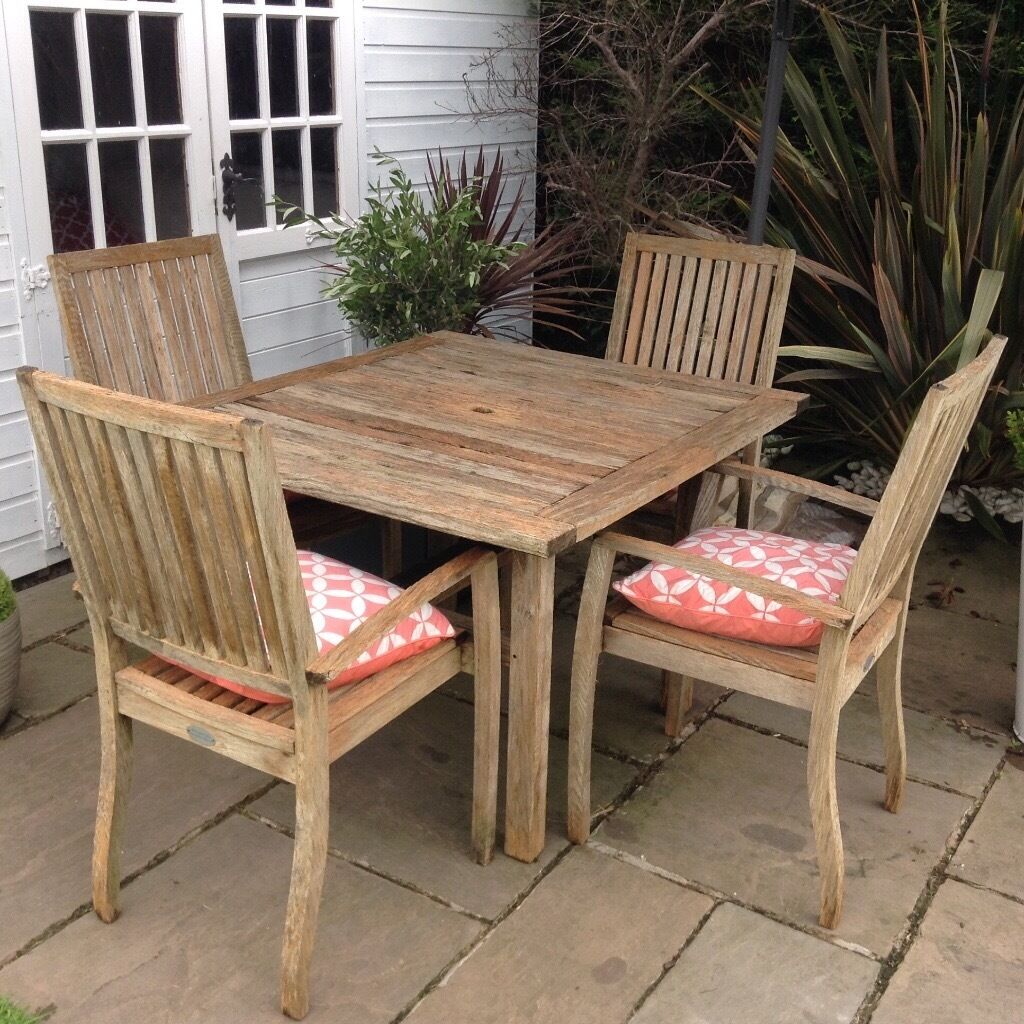 Quality wooden garden patio table 4 chairs by woodfurn cost £500 sell for £150 ono tel 07966921804