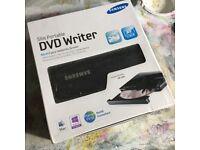 SAMSUNG - Slim portable DVD writer