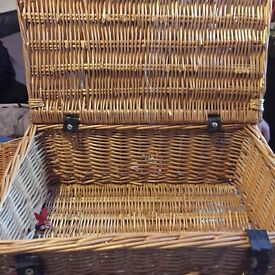 3 Hamper wicker baskets