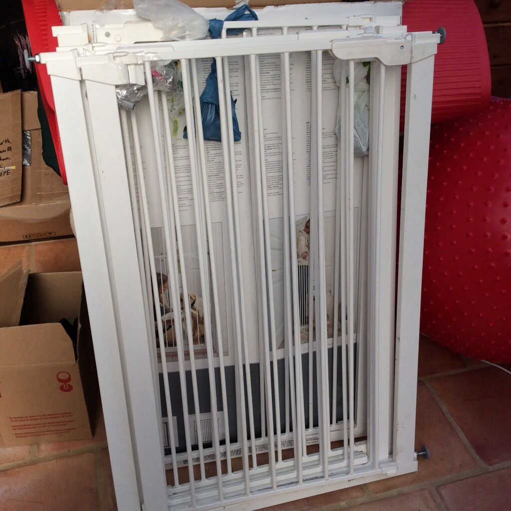 Stair gates over 1m tall , 5in total £20 each pet gate