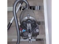 DYSON DC19 VACUUM CLEANER. IN EXCELLENT CONDITION PRICE £40.00 ONO