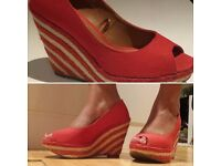 Size 8 Red Wedges
