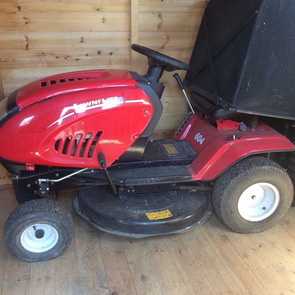 Lawnflite transmatic 604 sit on lawn mower with collector box