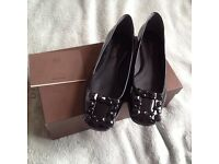 Authentic Louis Vuitton Graceful flat ballerina black Patent leather