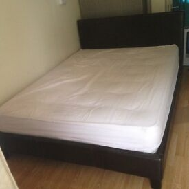 Black leather double bed with matteress