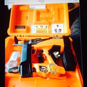 Spit 800p nail gun