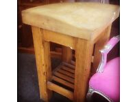 Pine butches block table