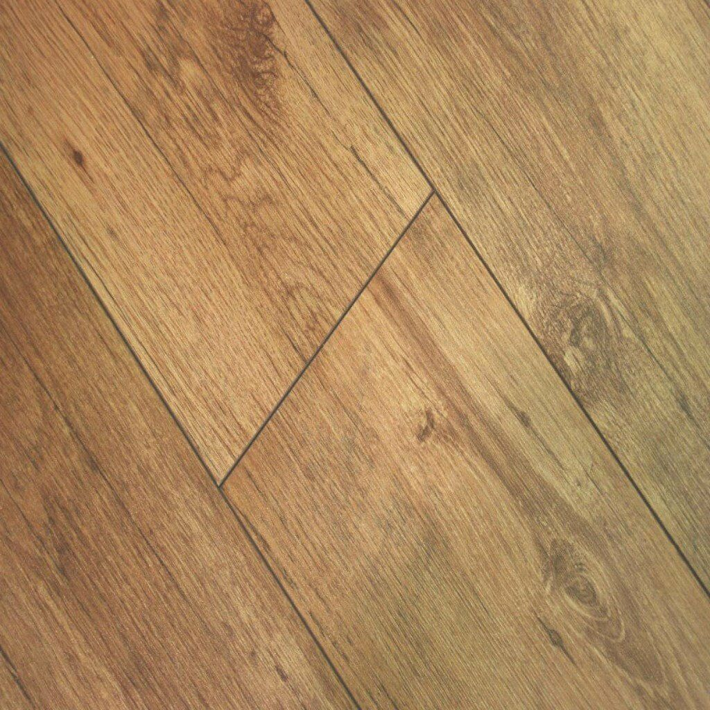 Egger Beaumont Oak Natural 8mm V Groove Laminate Flooring