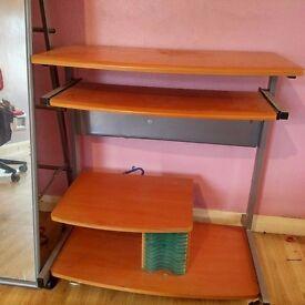 Computer desk/table