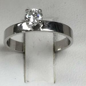 WOW BELLE BAGUE OR BLANC AVEC 1 SOLITAIRE ROND DE 30 POINTS VSI 799.95$
