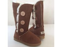 BRAND NEW UGG AUSTRALIA TALL BAILEY BUTTON SIZE UK 3.5 - EUR 36.5 FOR SALE £45 ONO