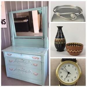 ONLINE AUCTION! Jewelry, Gifts, Home Decor, Collectibles and MORE! Bid NOW! Auction Ends Monday Night!