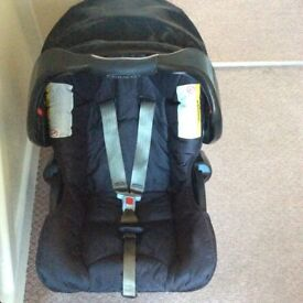 Graco Junior Baby car seat/ carrier