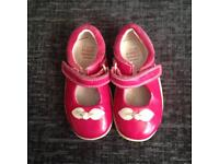 Girls First Clarksville shoes 4 & 1/2 G