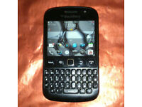 ABSOLUTE BARGAIN BEAUTY Works On3 Unlocked Black BlackBerry Bold 9720 Touch Screen Phone w/ Charger!