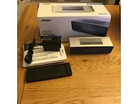 BOSE SOUNDLINK MINI BLUETOOTH SPEAKER SILVER BOXED CHARGER DOCK IPHONE COMPATIBLE