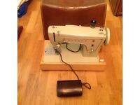 Singer sewing machine model fashion mate 239