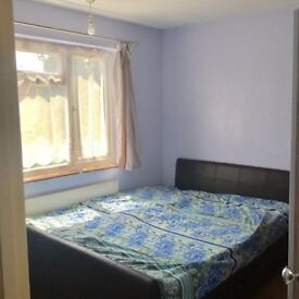 Spacious Double room Available for rent in a VEG Indian Family Home