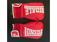 Lonsdale Boxing Gloves - 14oz - M/L - Unused like New