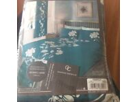 Teal Double bedding with matching pillow cases