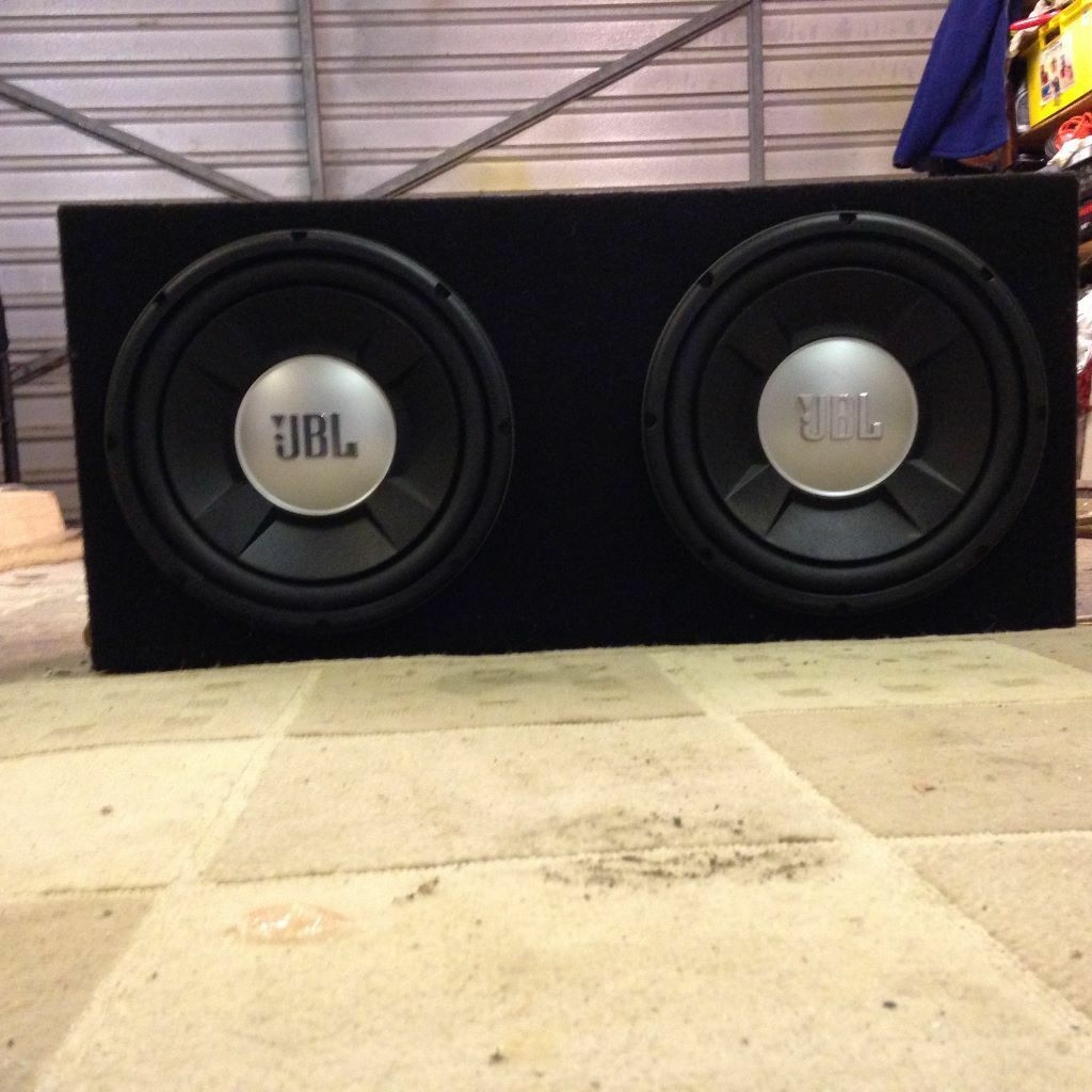 Subwoofer Comprising 2 12 Jbl Speakers Powered By Sony Xplod 444w Amplifier Manual Amp All In Felt