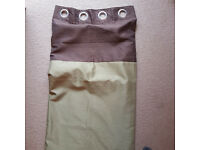 Curtains full length green and brown, ring top, each curtain is 90cm long 118cm wide