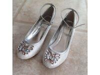 Monsoon Girls size 4 white lace wedding bridesmaid holy communion shoes