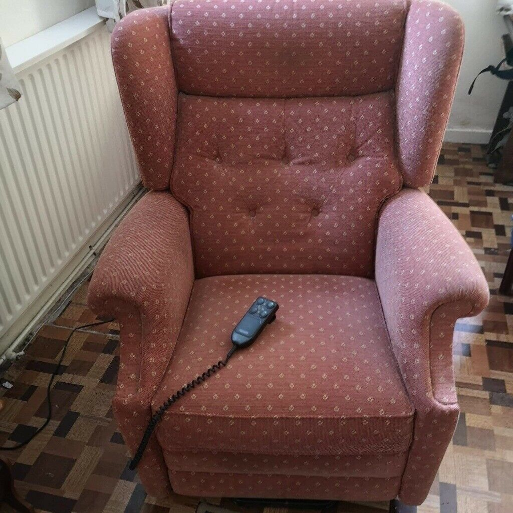 Amazing Parker Knoll Electric Recliner Chair In Perfect Condition In Box Wiltshire Gumtree Evergreenethics Interior Chair Design Evergreenethicsorg