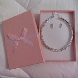 BRIDAL/WEDDING PROM Crystal/Diamonte Necklace Chocker & Earring Set NEW GIFT BOXED