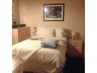 Room to rent in family home Monday to Friday