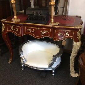 Gorgeous French style ladies desk