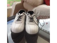 Youths/Ladies golf shoes