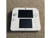 NINTENDO 2DS IN WHITE AND RED