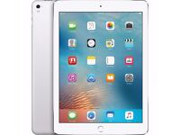 Brand NEW (worth £639) Apple iPad Pro 9.7-Inch Silver 128GB (Wrapped in box)