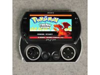 Sony PSP Go - BLACK - 16GB with 7000 Games