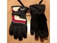 Man's winter cold weather warm gloves size 7.5