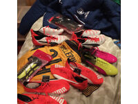 PUMA football boots, gloves, shinpads, Arsenal training, match shirts etc