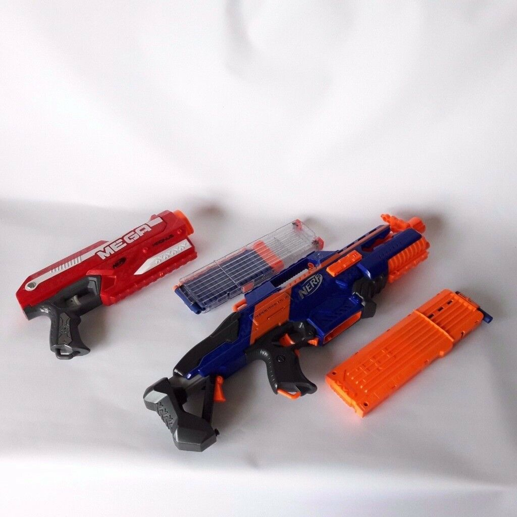 Nerf Guns 2 Pieces Rapidstrike CS-18 and Mega Magnus with Bullets