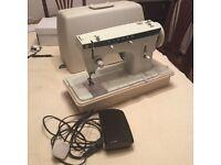 Singer Zig zag sewing machine/Model 257