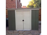 Metal Pent Roof Shed. Approx 7.5ft x 4ft.