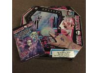 Monster high nail bar and tattoo studio