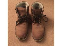 Boys Quicksilver Boots: Size 4½