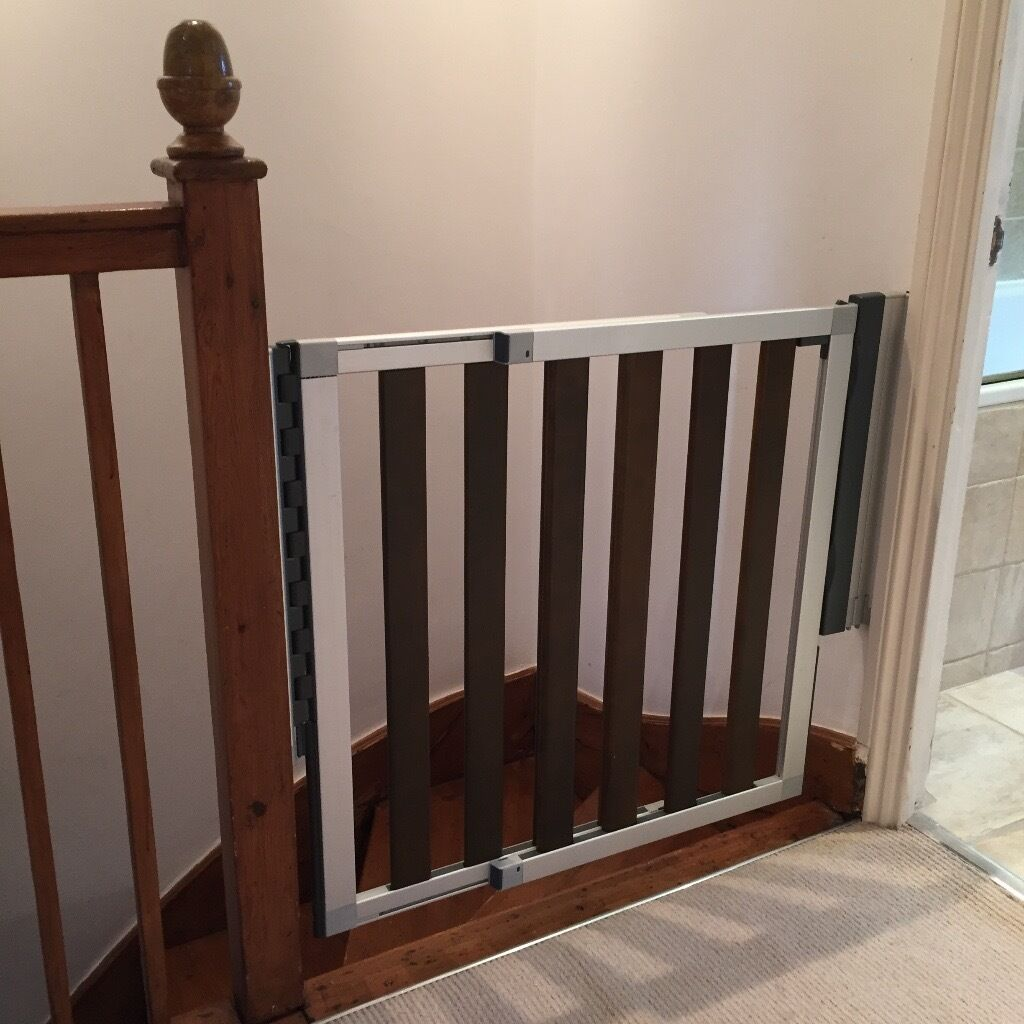 Reduced Lindam Numi Extending Dark Wood Stair Gate Safety Gate