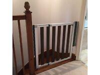 Lindam Numi Extending Dark Wood Stair Gate / Safety Gate