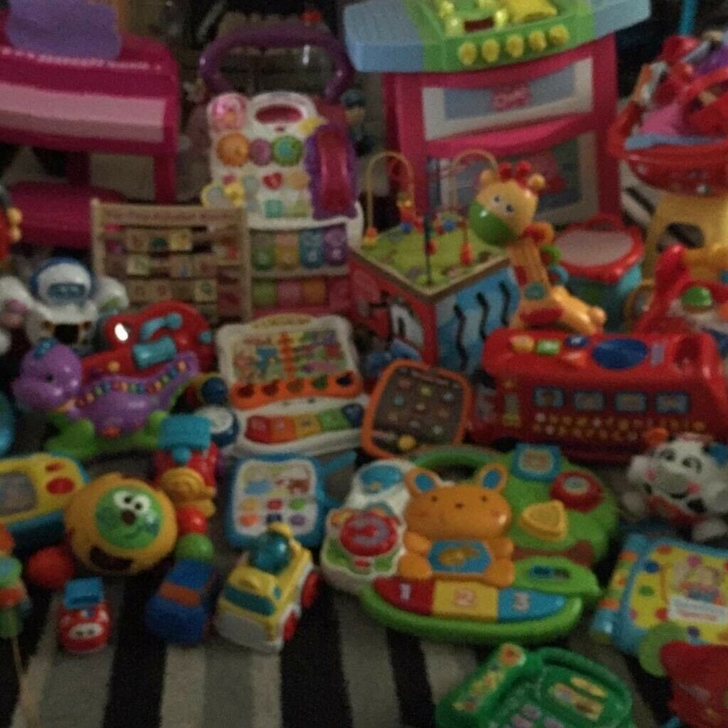 Bundle of baby and toddler toys all in excellent new condition